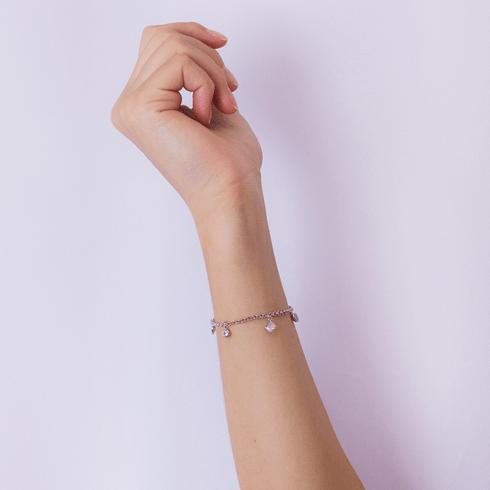 5301-pulseira-prateada-pingentes-regulavel